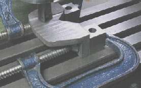milling machine, machining setup, machining castings