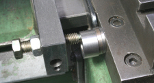 Lathe Saddle Stop, Using