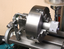 Dividing head, shop made, in use.